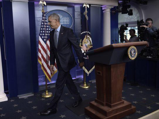 Obama exculpa a 330 presos a horas de dejar la Casa Blanca