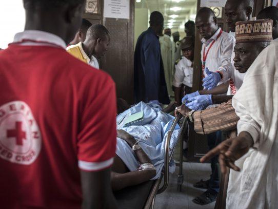 Decenas de muertos en Nigeria en bombardeo por error de campo de desplazados