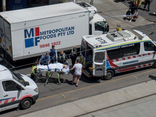 Un conductor mata a tres personas en embestida contra transeúntes en Australia