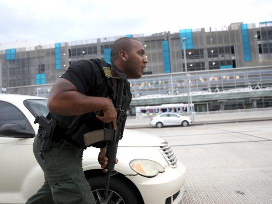 Atacante de aeropuerto de Florida puede enfrentar la pena de muerte