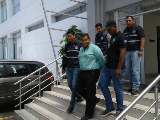 Autoridades ecuatorianas detienen al economista panameño Alexis Soto
