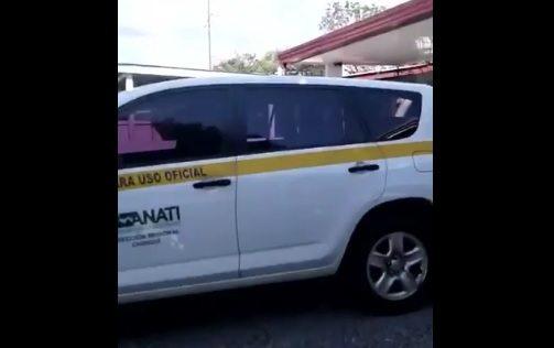 Anati suspende a director regional por buscar a su mascota en carro estatal