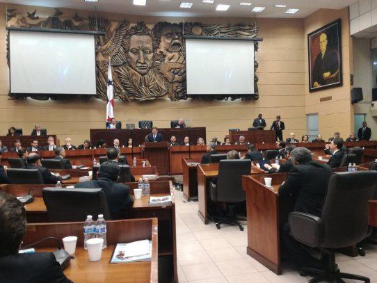Asamblea Nacional polarizada por elección de nuevo magistrado del TE