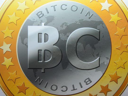 El bitcoin, una moneda virtual creada en 2009