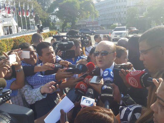 """""""Yo me encomendaría al señor"""" dice Erasmo Pinilla de no aprobarse las reformas electorales"""