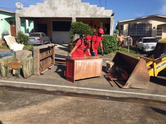 Aseo Capital recoge 15 toneladas de chatarra, muebles y línea blanca vieja