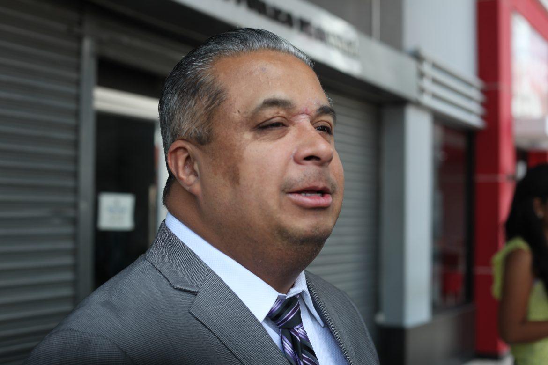 Abogado Roniel Ortiz, multado por mencionar nombre de testigo protegido en caso pinchazos