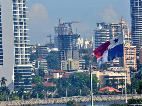 Crecimiento económico y programas sociales combaten la pobreza en Panamá