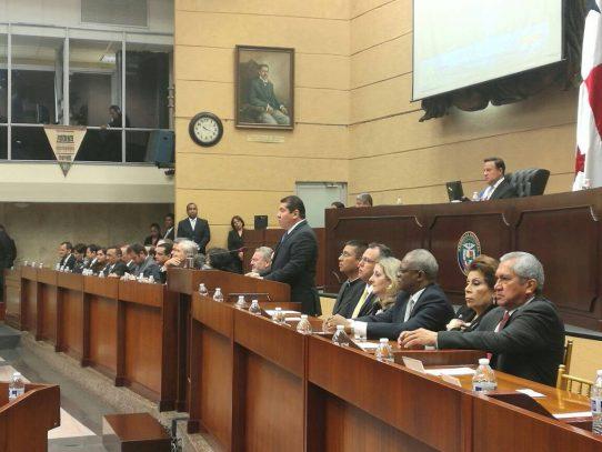 Rubén De León reconoce que hay temas pendientes de discusión en la Asamblea