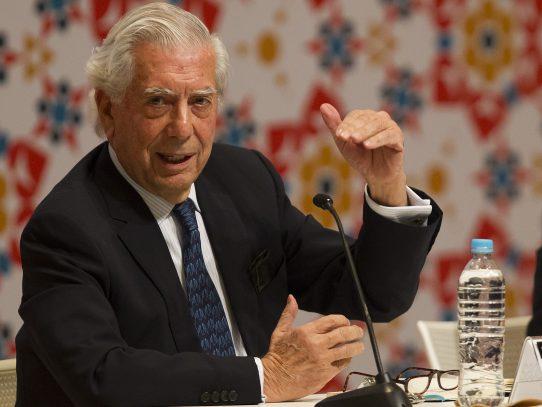 Vargas Llosa insta a expresidentes aclarar sobre Caso Odebrecht