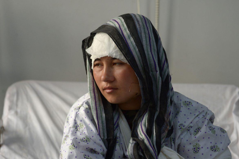 La imagen de la mujer desaparece en las calles de Kabul