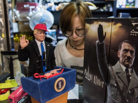 Fabrican en Hong Kong un muñeco de Donald Trump
