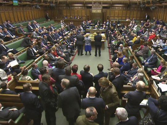 Diputados británicos aprueban inicio de ruptura con la Unión Europea