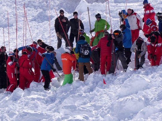 Avalancha en los Alpes franceses deja cuatro muertos