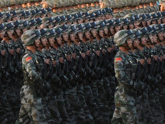 China continúa armándose más rápido que los demás países