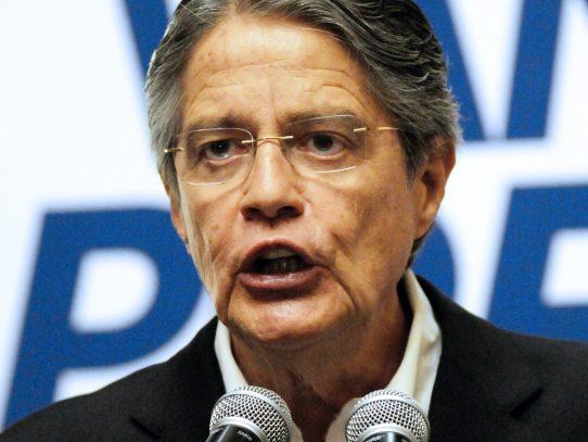Ecuador : Oficialismo celebra y la oposición advierte fraude