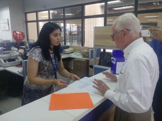 Juan Jované pide al Tribunal Electoral copia de sus donaciones de campaña