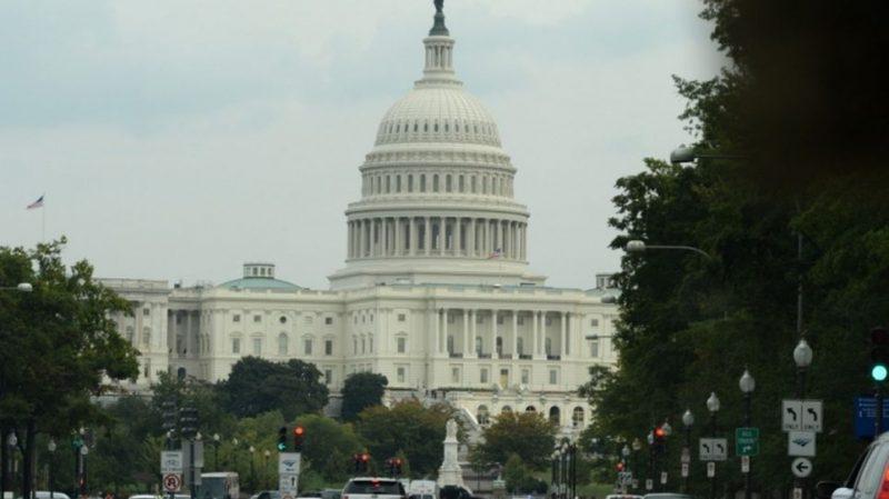 EEUU dice que levantará sanciones a Venezuela si el gobierno cambia de política
