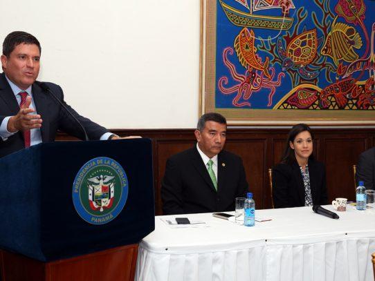 Martiz y Duboy se postulan como director de la Caja de Seguro Social