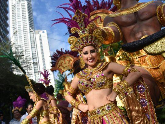 Alcaldía regula la celebración del Carnaval 2017 en la capital