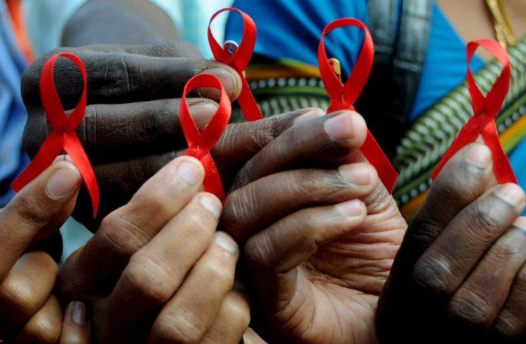ONU revela que el número de muertes asociadas al sida baja un tercio desde 2010