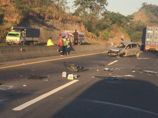 Accidente de tránsito en la autopista Panamá-Colón