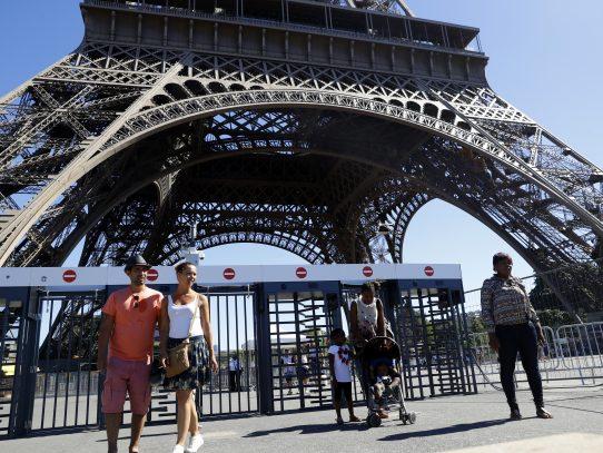 Francia aún es primer destino turístico mundial pese a los atentados