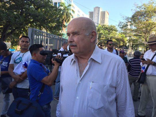 Bernal denuncia persecusión a sus activistas