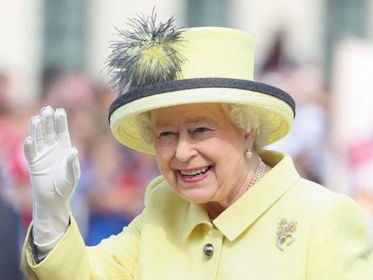 Isabel II de Inglaterra cumple 65 años en el trono