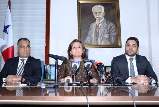 Ministerio Público formula cargos contra Jürgen Mossack y Ramón Fonseca