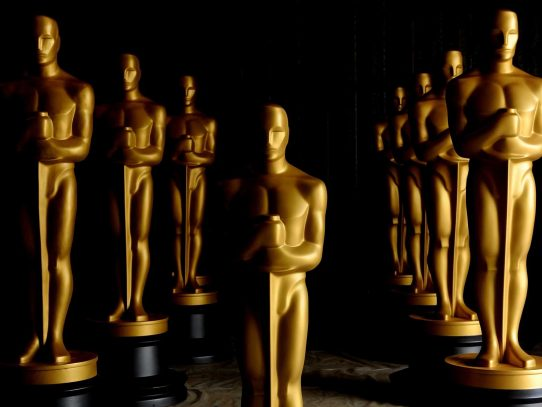 En la entrega de los Óscar el show debe continuar... sin presentador