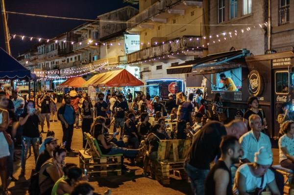 El Terraplén, de callejón de buhoneros a nuevo espacio cultural en la capital panameña