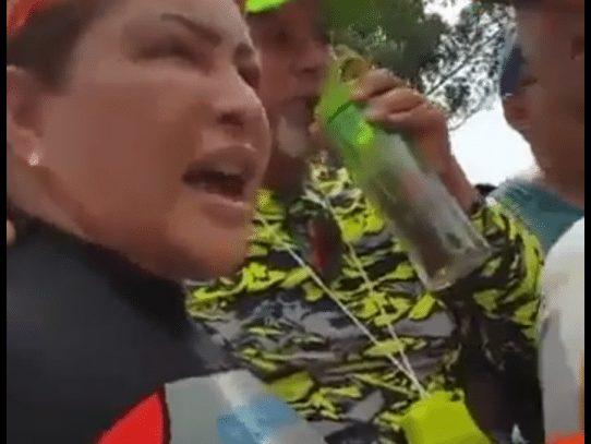 Exministra de Trabajo, Alma Cortés, envuelta en bochornoso incidente