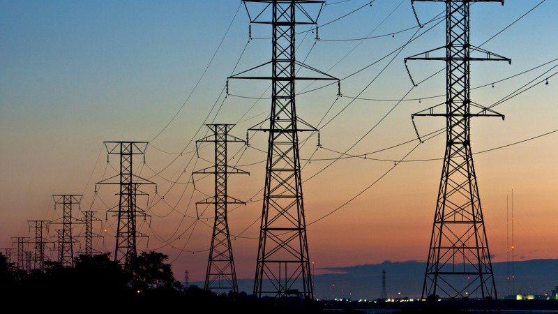 Gobierno presenta estrategia para el desarrollo del sector eléctrico