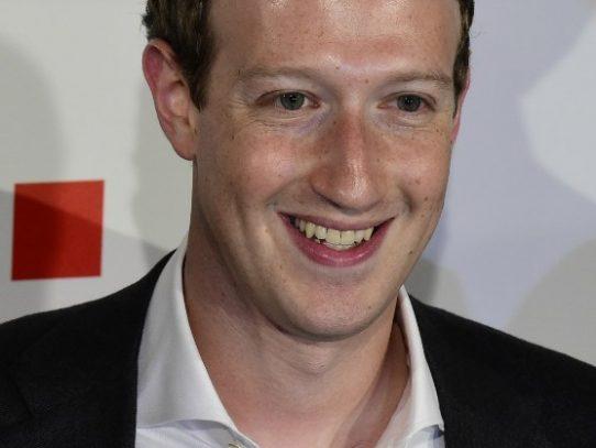 Creador de Facebook se graduará después de 12 años