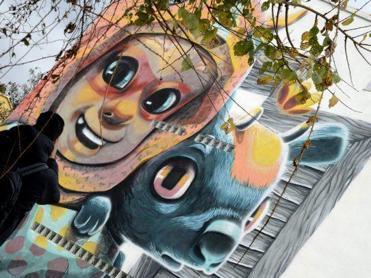 Pueblo de España se convierte en atractivo turístico por arte urbano