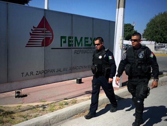 Explosión en refinería mexicana Pemex deja ocho heridos