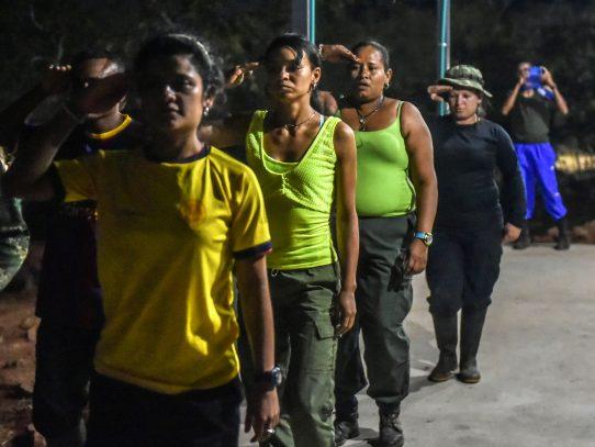 Las mujeres de las FARC planean su regreso a la vida civil