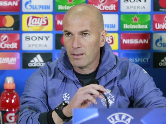 """No contemplo otra cosa"" que pasar, afirma Zidane"
