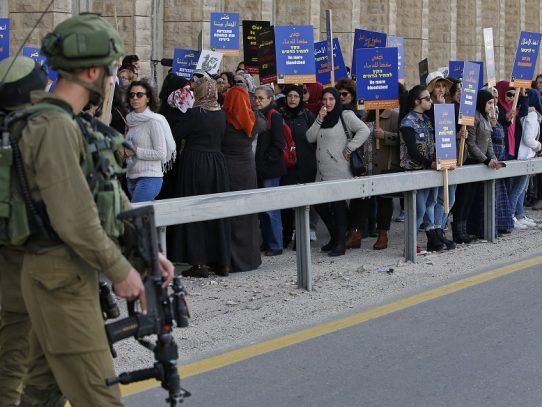 Mujeres israelíes y palestinas se unen en busca de la paz en Belén