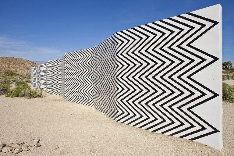Convierten en galería de arte el desierto de California