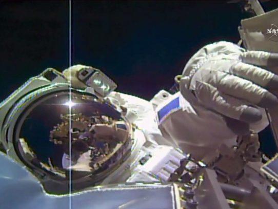 Astronautas de la NASA realizarán caminata espacial