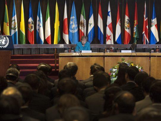 América Latina mantuvo déficit fiscal  en 2016