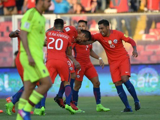 Chile recupera el rumbo tras vencer 3-0 a Venezuela