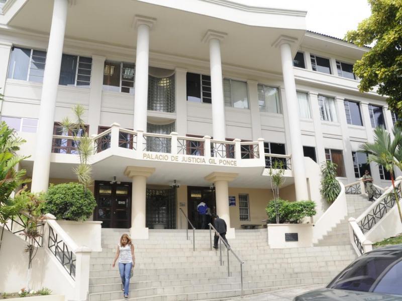 A 89 asciende lista de aspirantes a magistrados para la CSJ