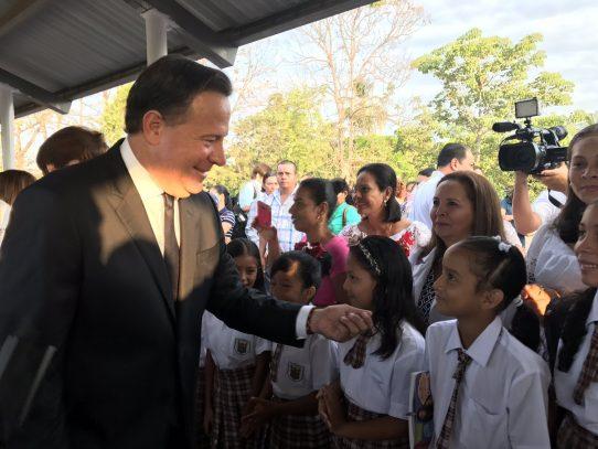 Varela pide a educadores un año escolar en paz