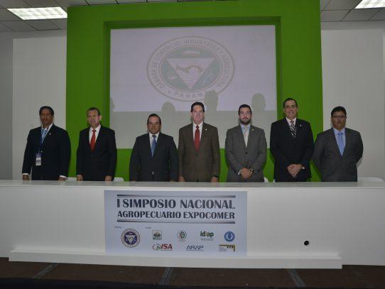 """Crean """"Agenda País"""" para impulsar sector agropecuario"""