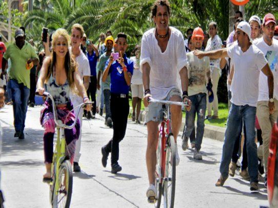 Shakira y Carlos Vives demandados por plagio con 'La Bicicleta'