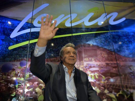 Candidato oficialista de Ecuador exige a Odebrecht lista de sobornados