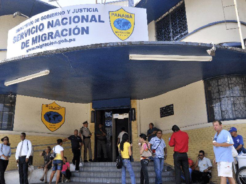 Retienen a 61 extranjeros indocumentados tras operativo